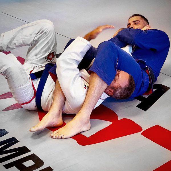 Brazilian Jiu Jitsu, BJJ und No-Gi Grappling in Frankfurt im MMA Spirit - Training mit Europameister Schwarzgurt Sascha Rankovic